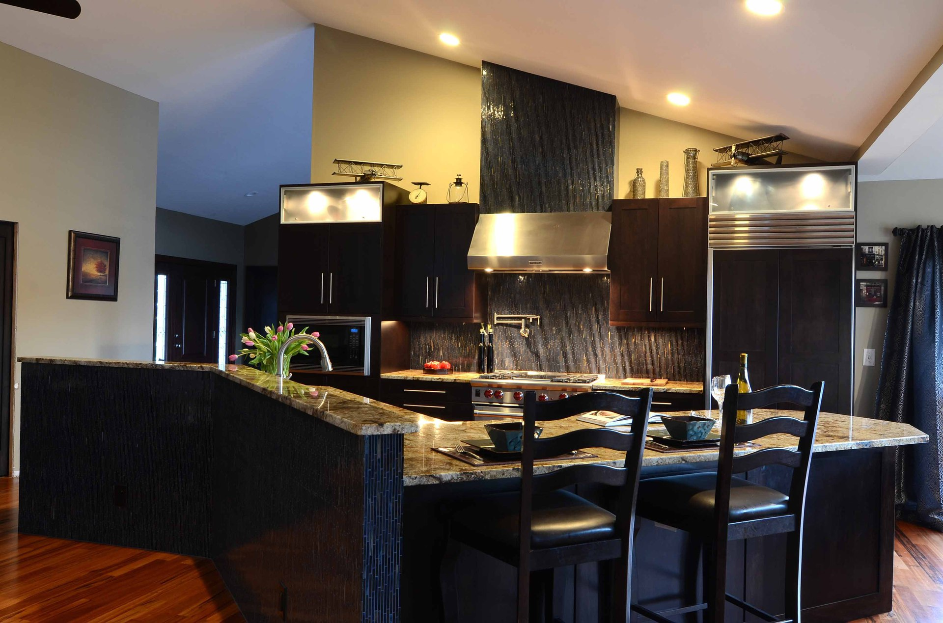 5 ways granite counters enhance kitchen remodeling bryce for Local kitchen remodeling