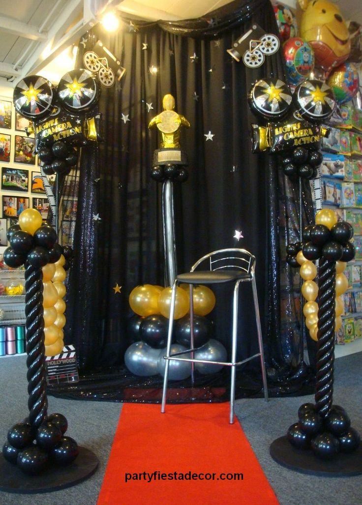 Oscar Themed Party Decoration Ideas Part - 50: Lights! Camera! Action! Let PARTY FIESTA BALLOON DECOR Add Glitz ...