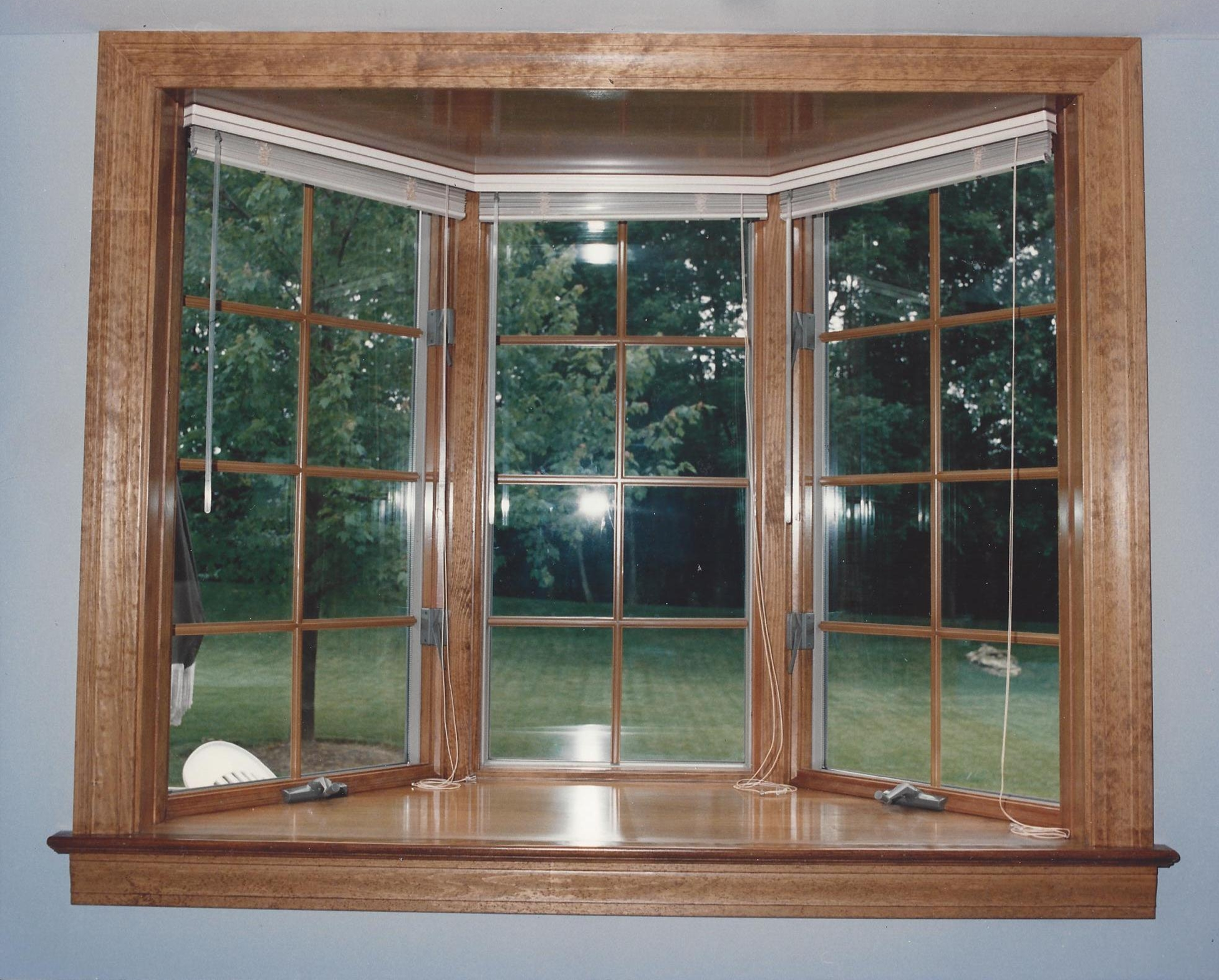 Bay window basics jfk window door forest park nearsay for Bay window interior
