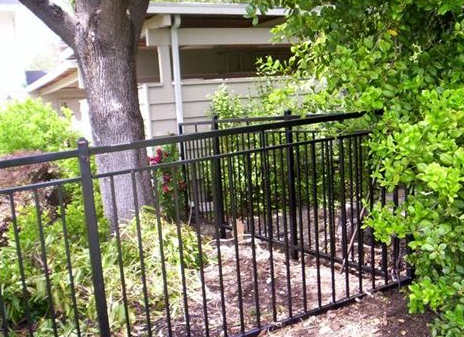 3 Compelling Benefits of Choosing Metal Fencing - Creative Iron Arts