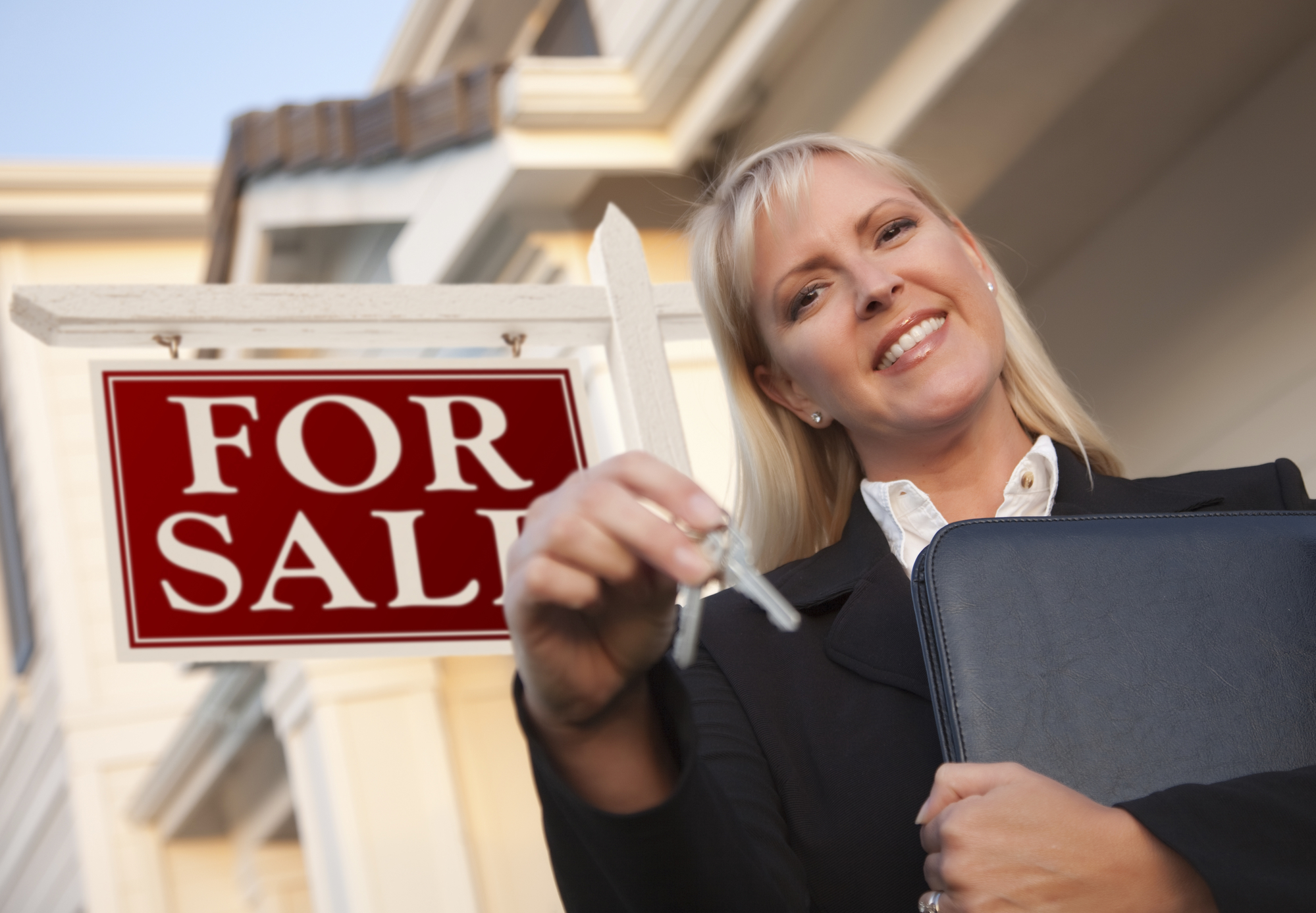 Ral Estate Brokers : Benefits of using a local real estate agent to sell