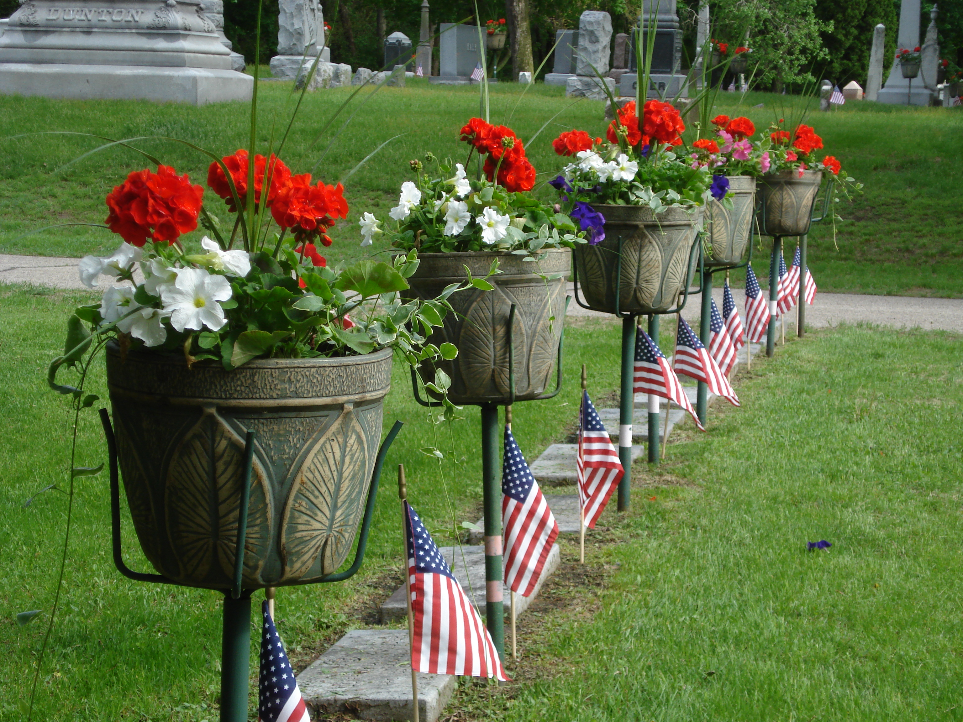 Spring flower program at oak grove cemetery honors loved ones for over 150 years oak grove cemetery in la crosse wi has provided a beautiful final resting place among their 80 acres of beautiful grounds izmirmasajfo