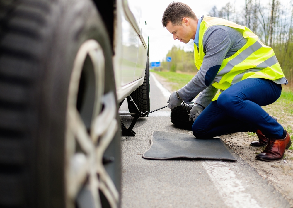 3 times you should call roadside assistance cachola for Mercedes benz road side assistance