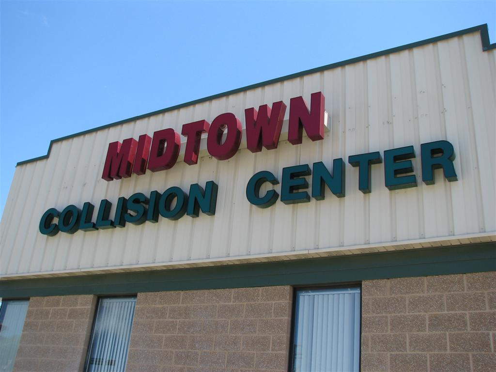 5 Reasons To Choose Midtown Collision Center For Car Repair