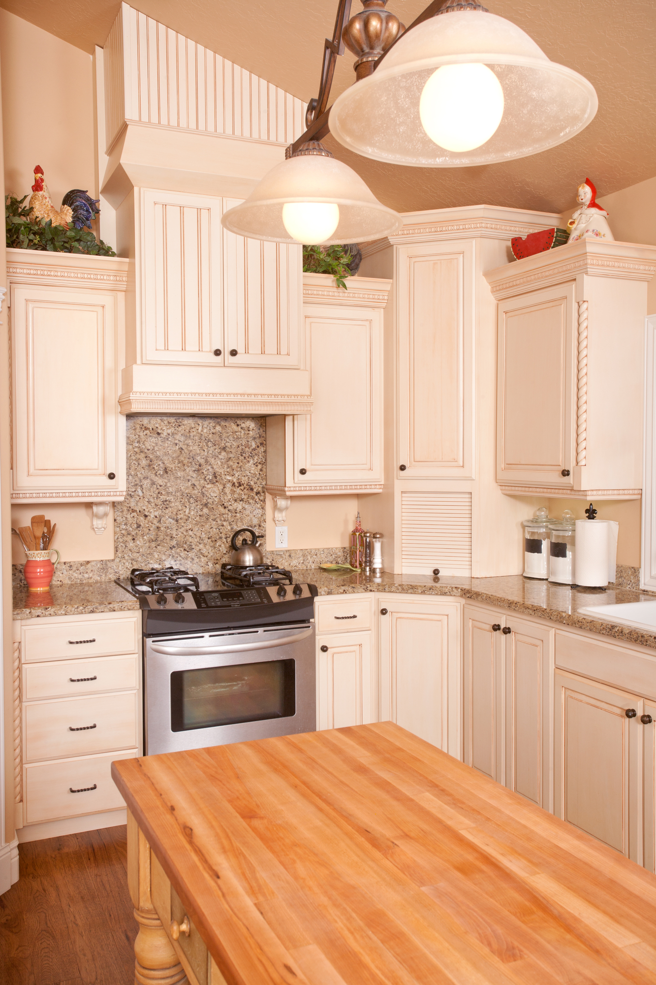 Http Nearsay Com C 209506 154883 Deck The Halls 3 Ways To Update Your Countertops For The Holidays