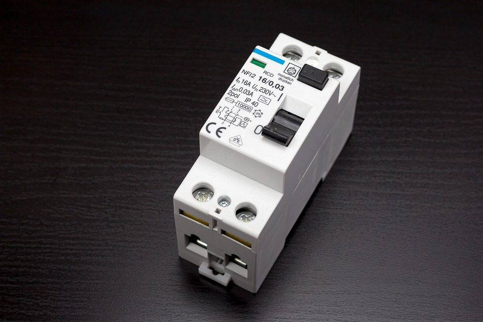 3 Basic Tips for Maintaining Your Circuit Breaker - Jacob Electric ...