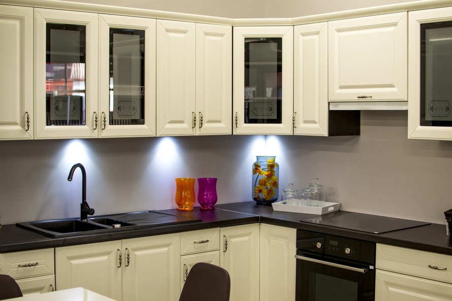 5 kitchen cabinet trends to transform your space huber for Kitchen cabinets 4 less