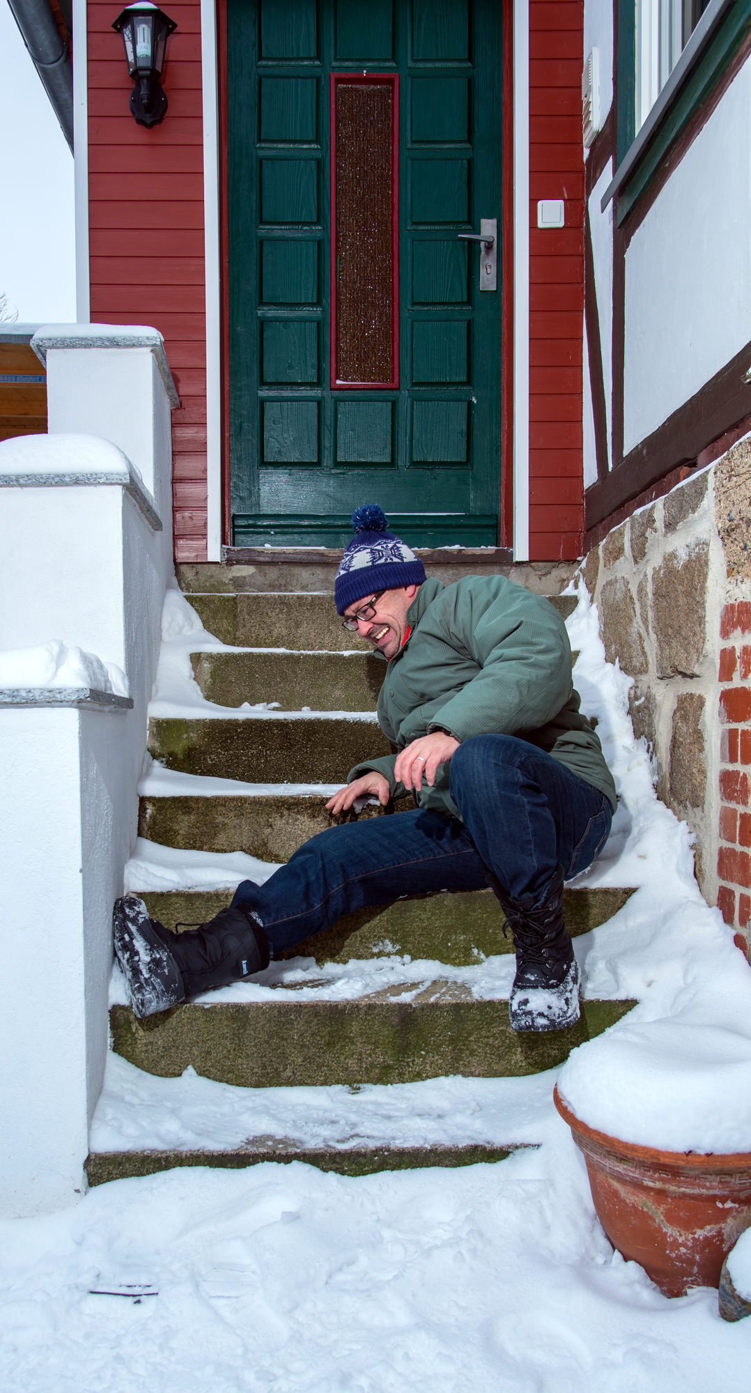 Man%20falling%20on%20snowy%20stairs%2C%2