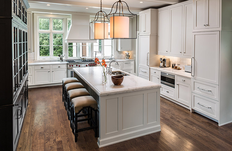 Get Custom Cabinets From Milwaukee 39 S Favorite Kitchen