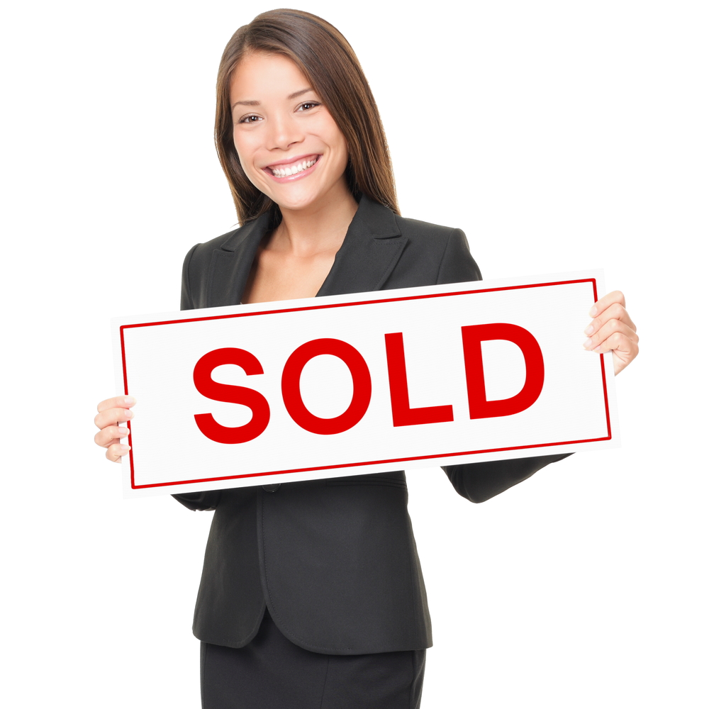 3 essential questions to ask your real estate agent when for Modern homes estate agents