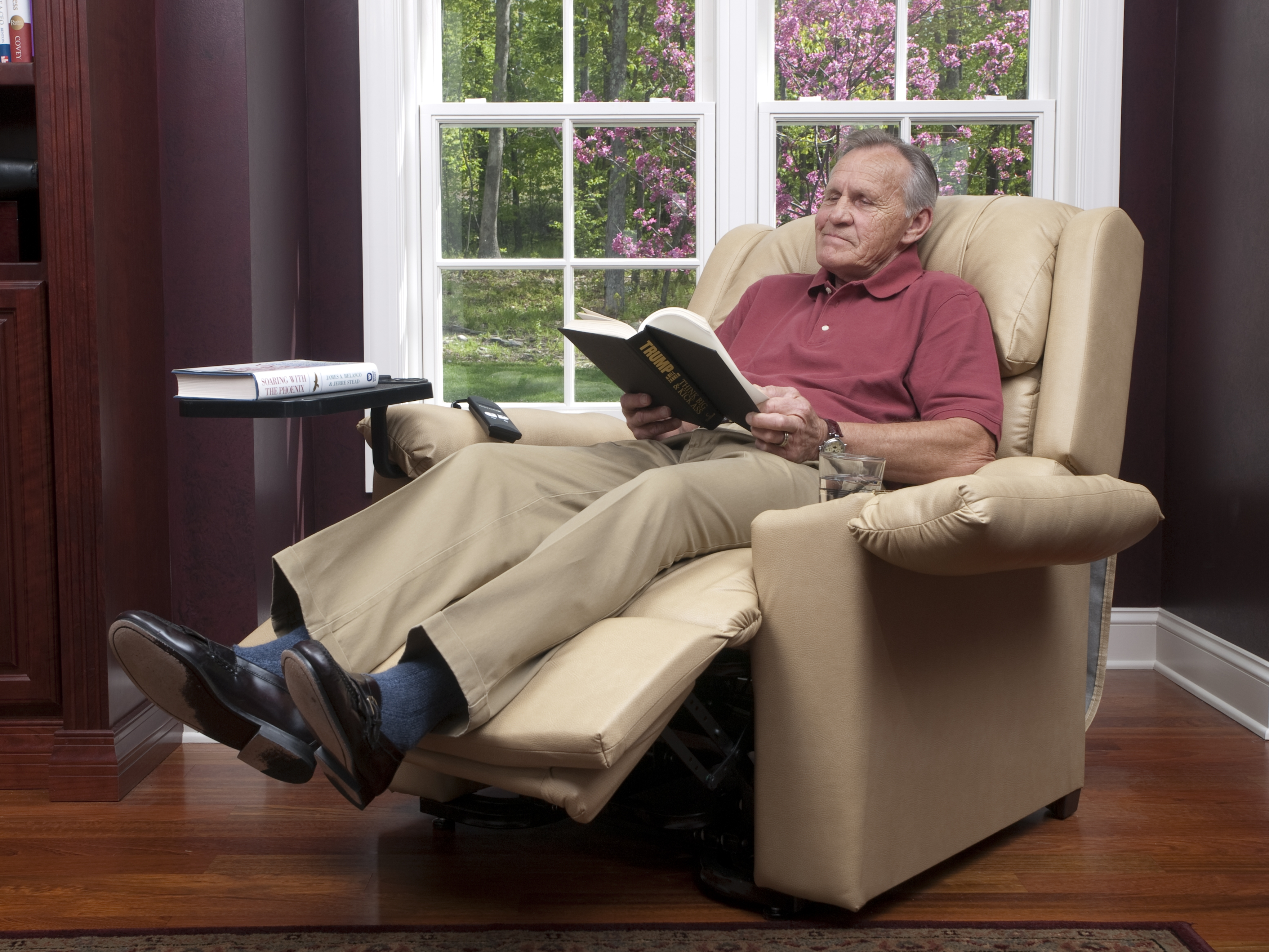 Medical Equipment pany fers The Best in Lift Chair Recliners