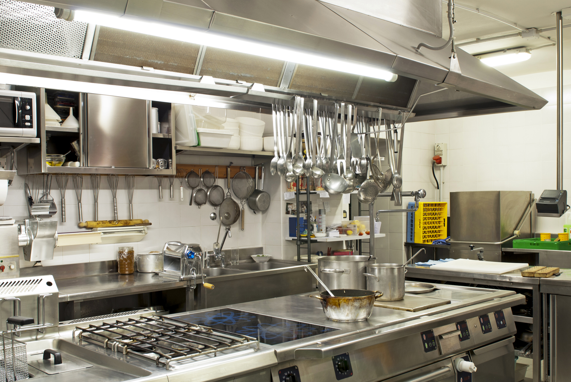New to running a kitchen here is your restaurant equipment checklist tech 24 feasterville for Cuisine professionnelle
