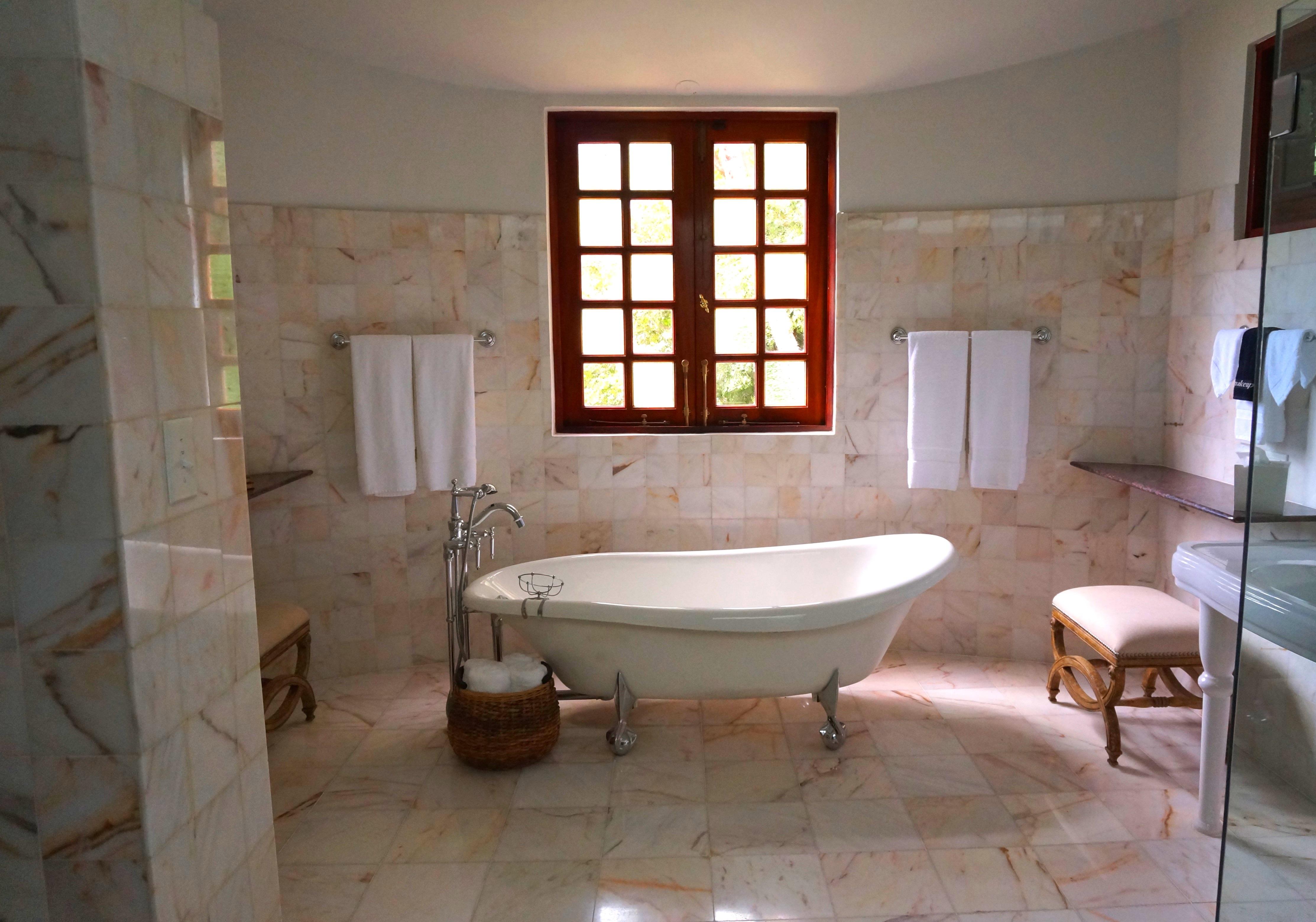 Ceramic vs. Natural Stone Tile for Your Bathroom Renovation - Al\'s ...