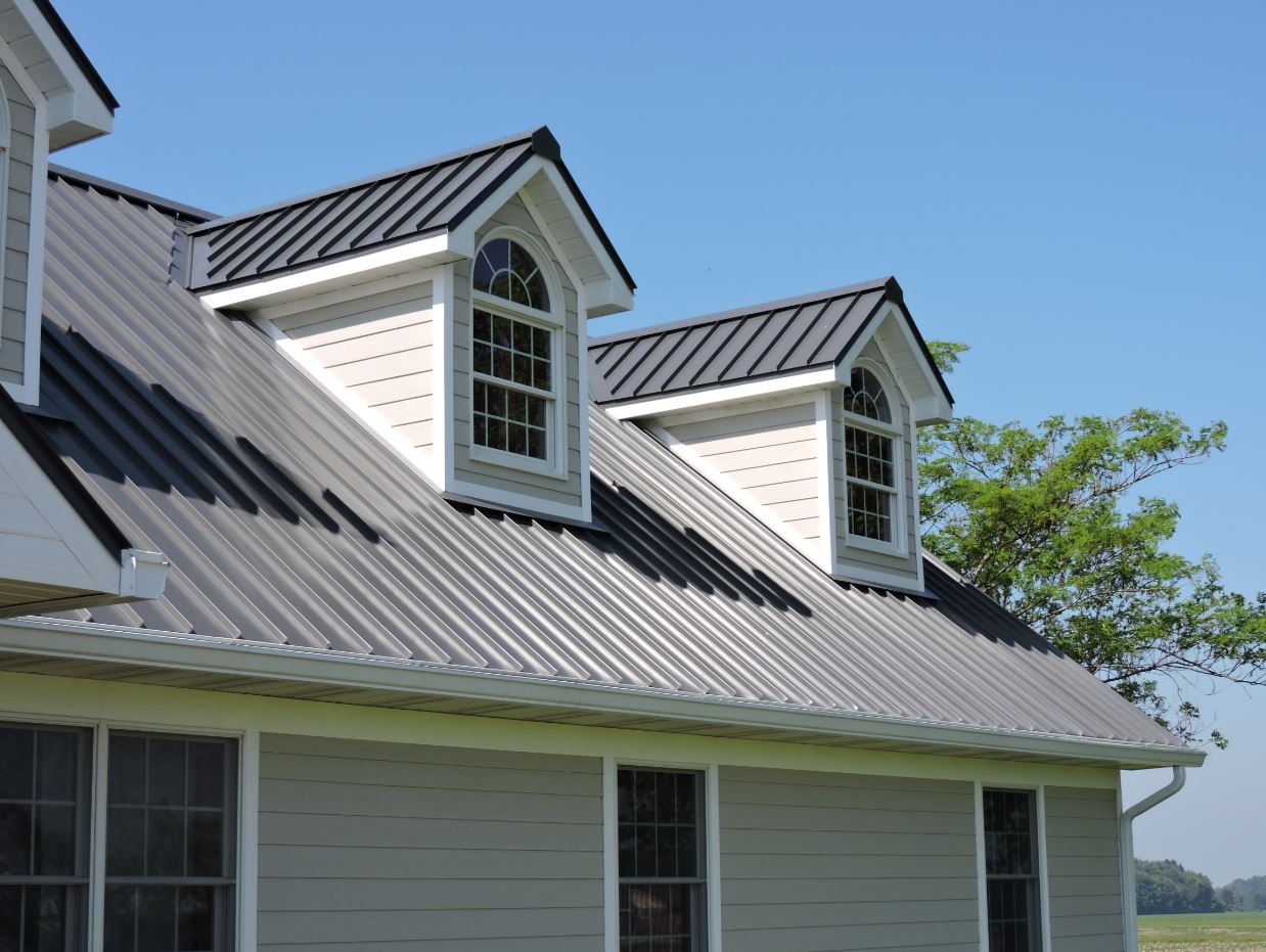 Asphalt shingles or metal roofing for your home 39 s re roof for Siding and roof color visualizer