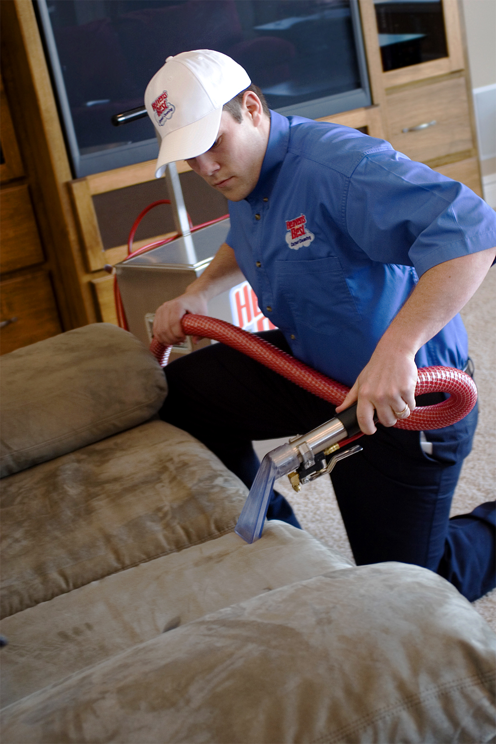 3 Reasons You Should Hire A Professional Upholstery Cleaner Heaven S Best Carpet Cleaning