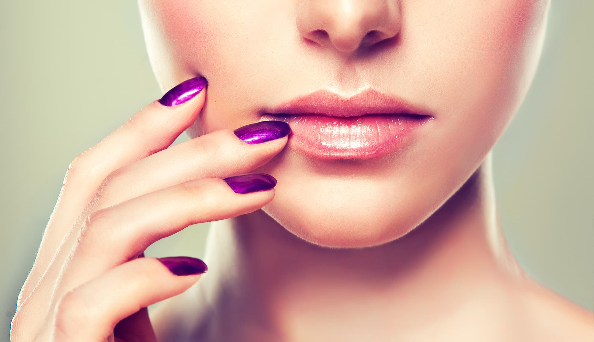 A Nail Technician School Discusses the Hottest Nail Color Trends ...