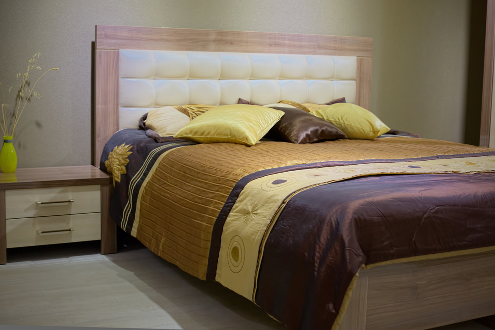 Need bedroom furniture 3 reasons couples should get a for Couple bedroom furniture