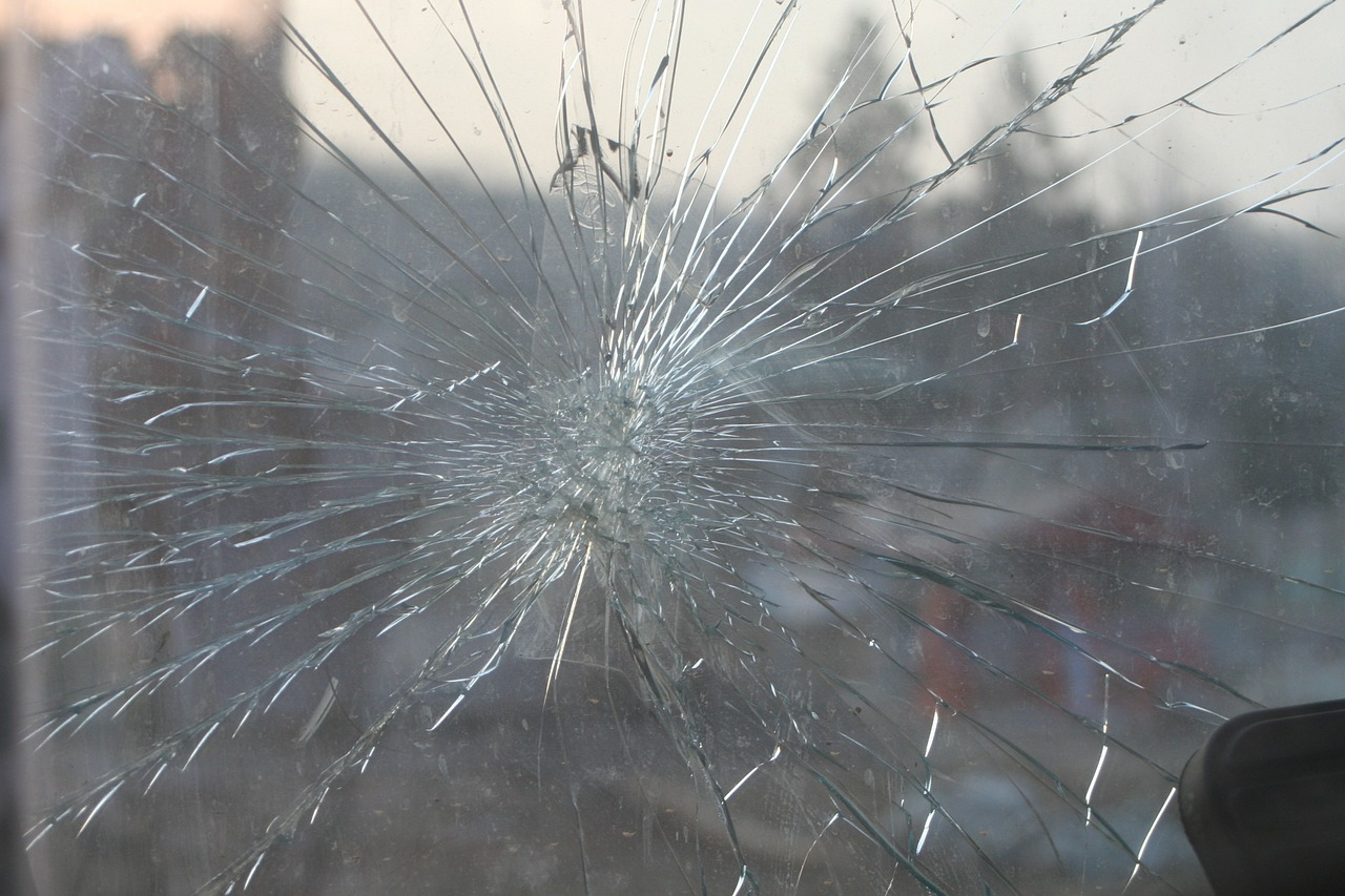 Can A Car Pass Inspection With A Cracked Windshield