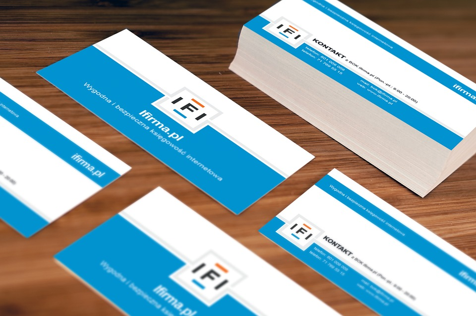 Make your business cards stand out with a custom finish from maui business cards colourmoves