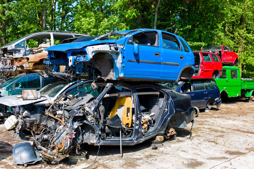 3 Reasons Why You Should Sell Your Car To A Junk Yard - Roadrunner ...