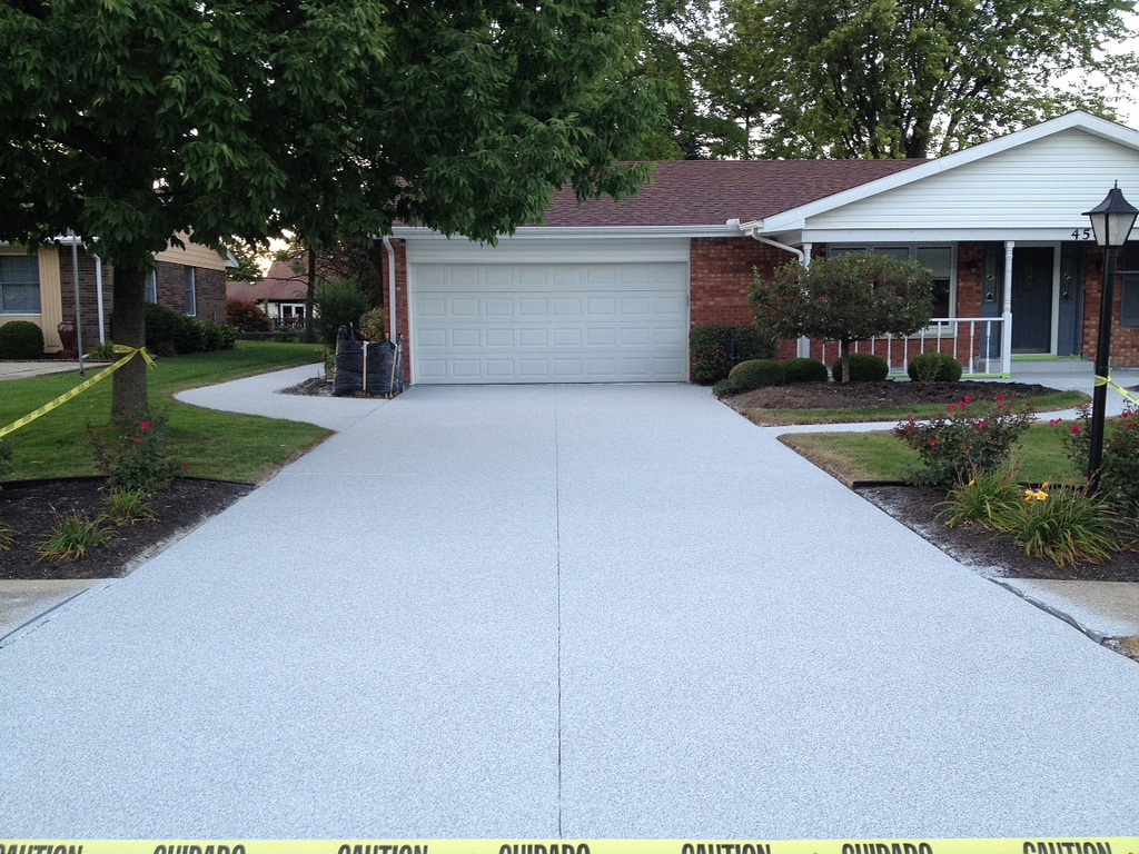 4 tips for keeping your concrete driveway patio in top for Temperature to pour concrete driveway