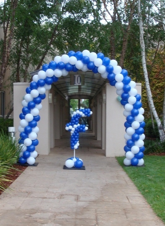 Party fiesta balloon decor takin 39 care of business for Balloon decoration business