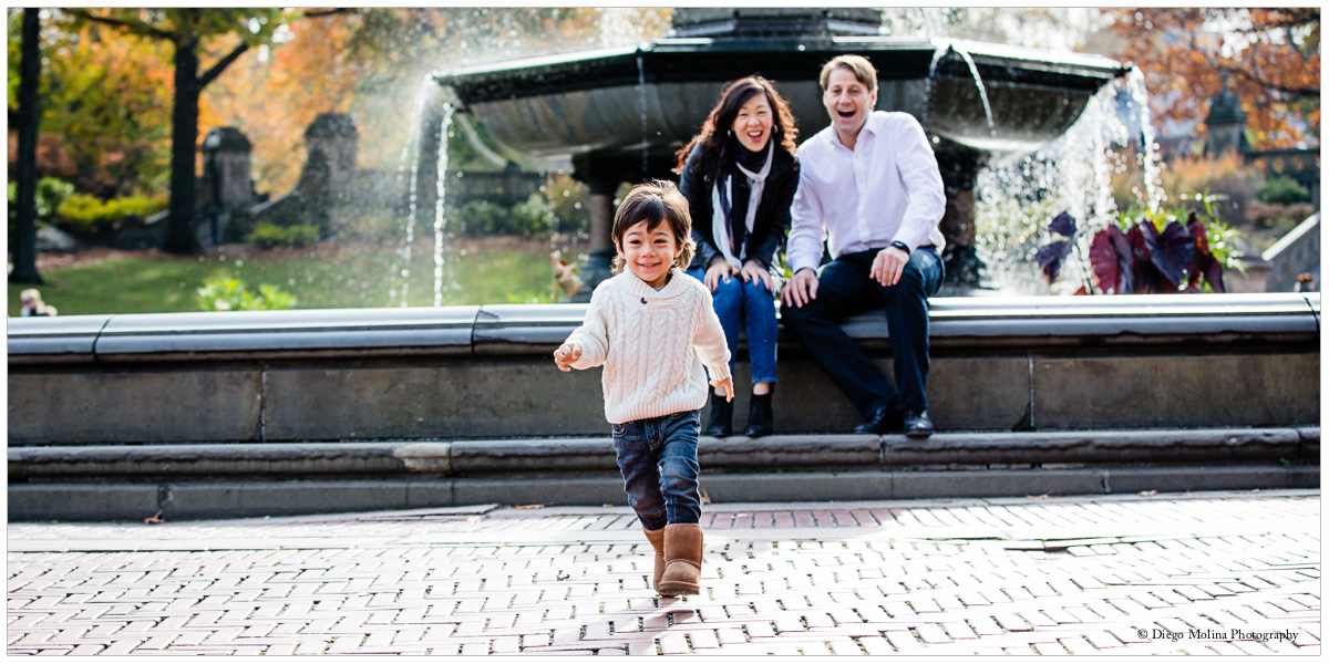 How to Find the Best Family Photographer - Creative idea for your next family photos