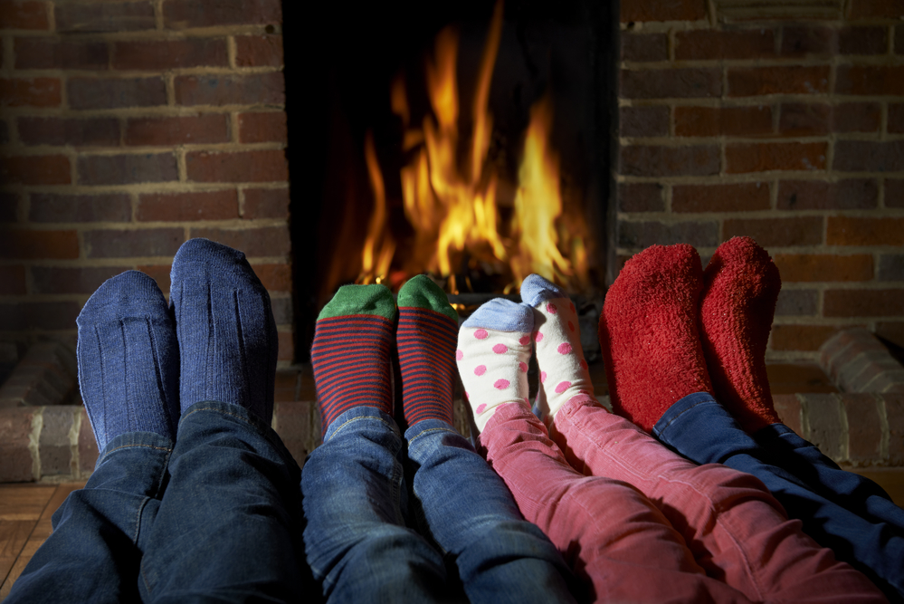 5 Great Reasons to Use Gas Logs in Your Fireplace - Charlie's ...
