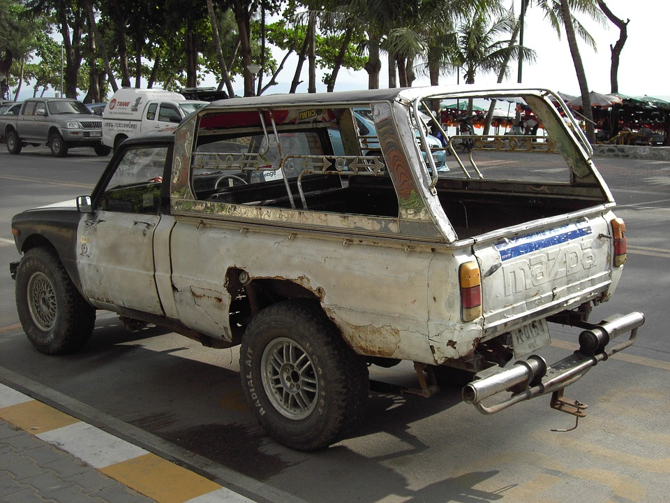 3 Signs You Might Have a Junk Car on Your Hands - Kev\'s Towing ...