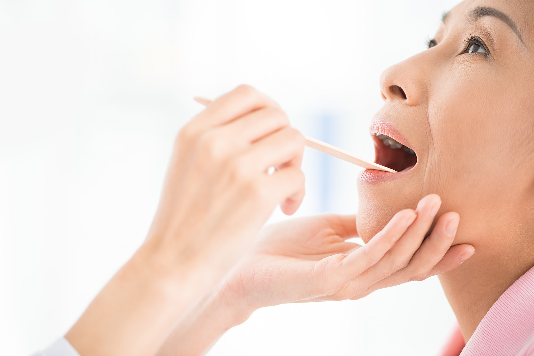 oral An example of oral used as an adjective is the phrase oral presentation which means a presentation delivered by speaking an example of oral used as an adjective is the phrase oral disease which means an illness in the mouth.