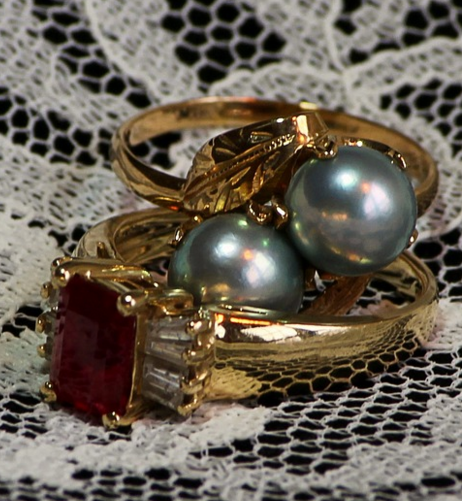 3 great reasons to sell gold jewelry at a happy pawn a for Ez money pawn jewelry