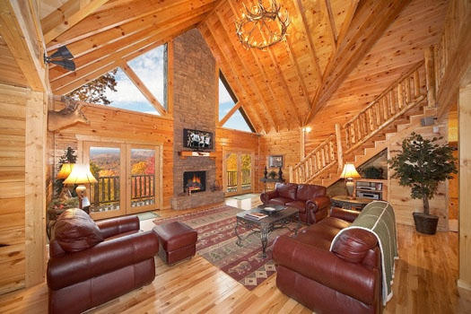 inn mountains smoky cabin gatlinburg a rental patriot cabins located rentals bedroom at in