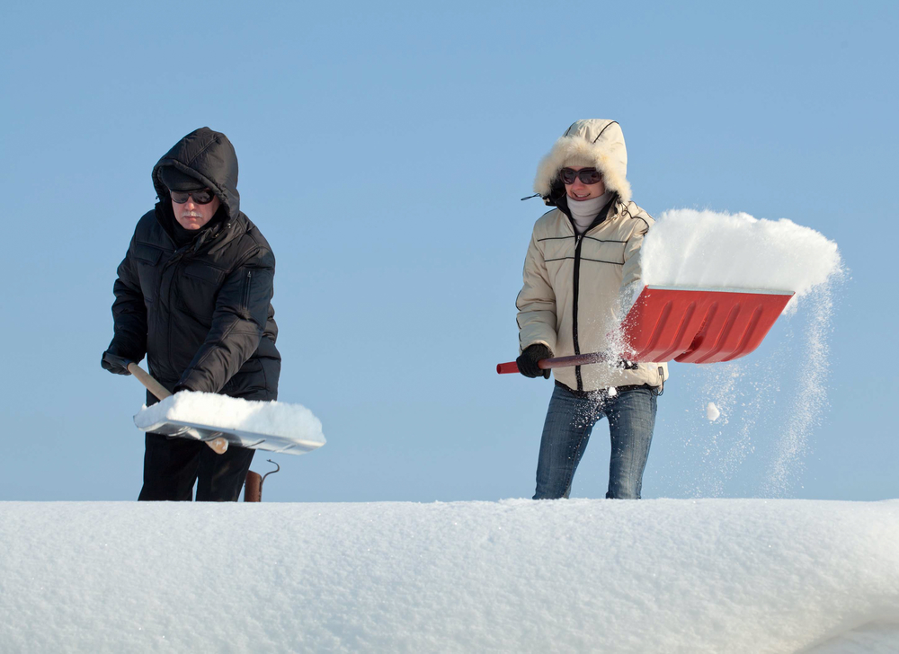 The Pros Amp Cons Of Repairing A Roof During Winter H Amp H