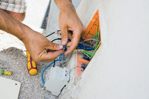 how to become a qualified electrician scotland
