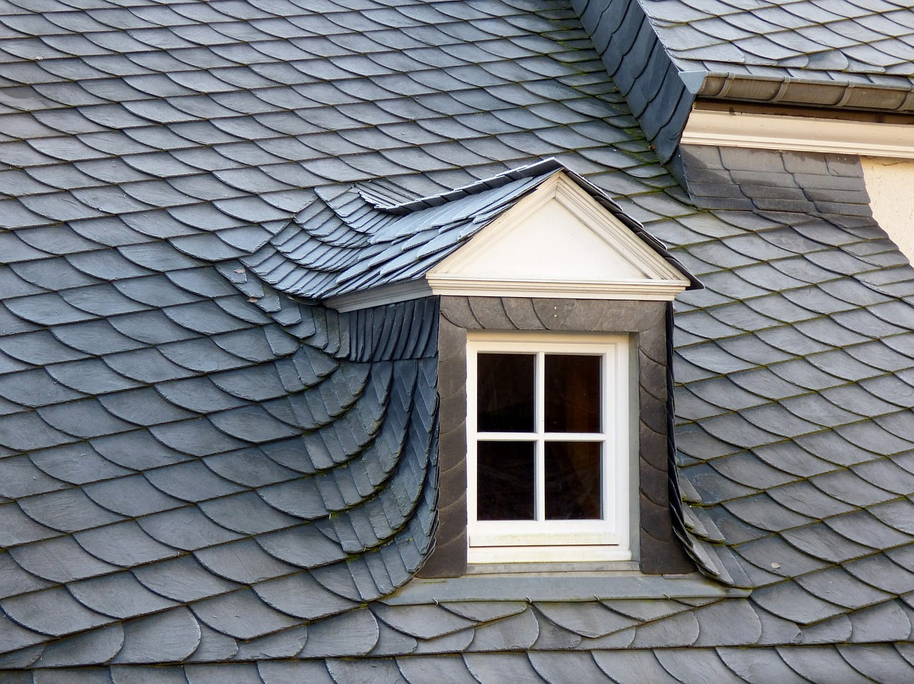 Helke construction discusses the typical lifespan for for Kinds of roofing materials