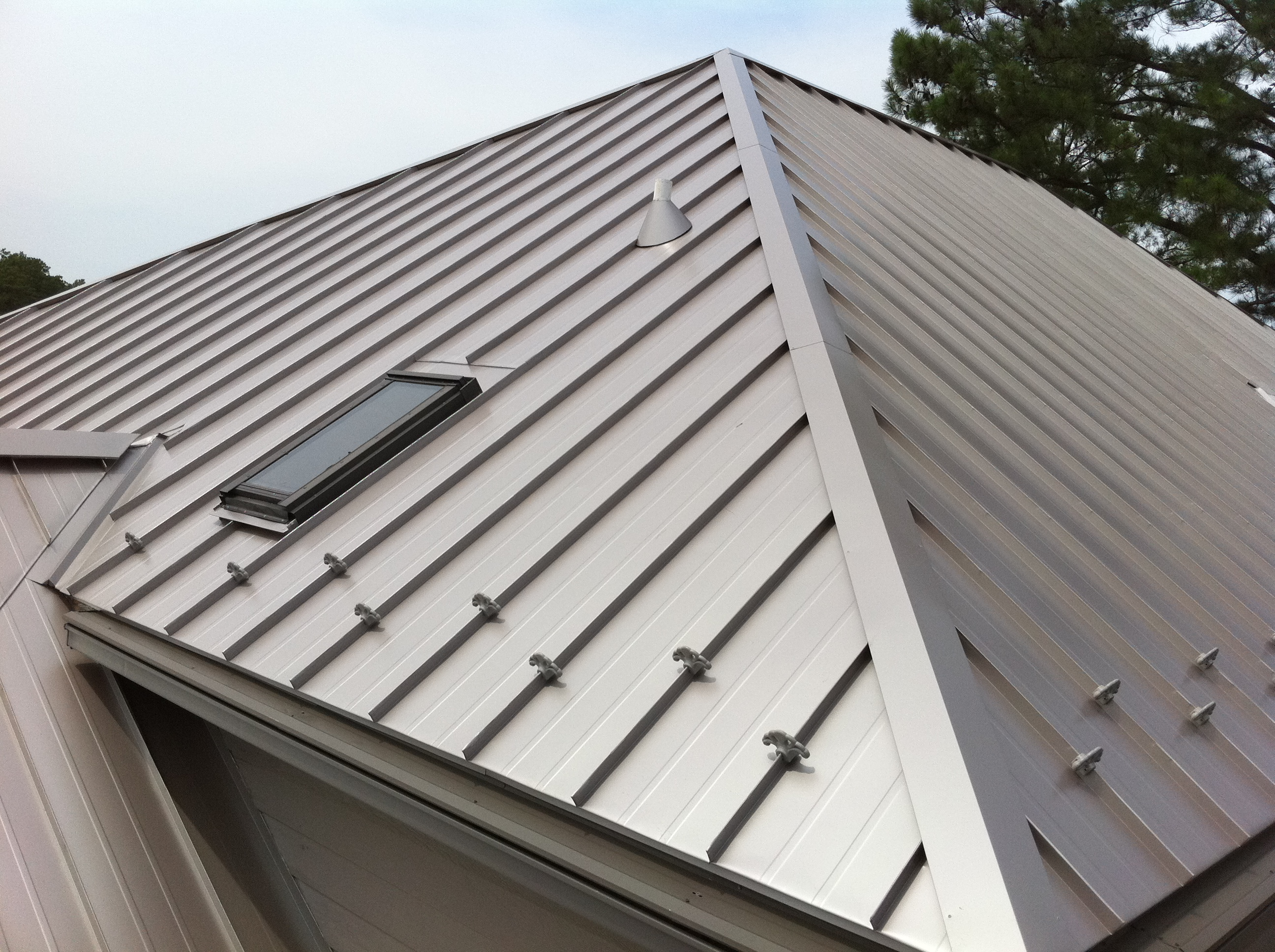 Metal Roofing 4 Popular Color Trends For Various House