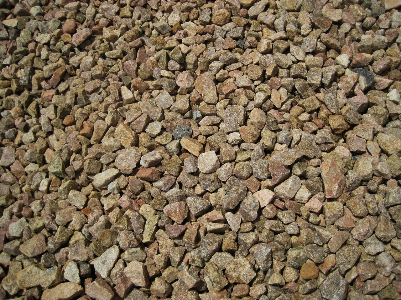 Aggregate Sizes Crushed Stone : Crushed stone vs processed gravel—lombardi gravel